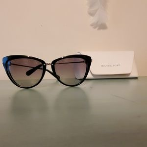 AUTHENTIC MICHAEL KORS MK SUNGLASSES CAT EYE